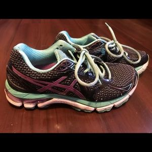 Asics Shoes - Asics GT 2000 Womens Running Shoes Size 6.5 T550N